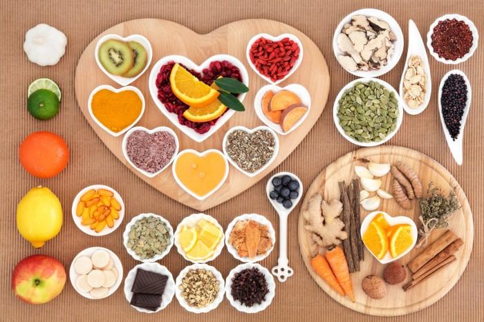 comida-sana-dieta-equilibrada-frutas-verduras-adelgazar-peso-700x466